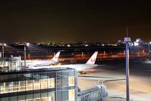 夜の羽田01Jweb.jpg