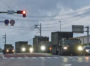 米軍施設特殊車両03Jweb.jpg
